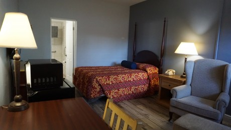 Budget Motel Titusville: Accessible Full Guest Room